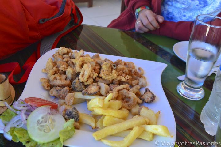 Deliciosos chicharrones que se pueden comer en Paracas en Perú