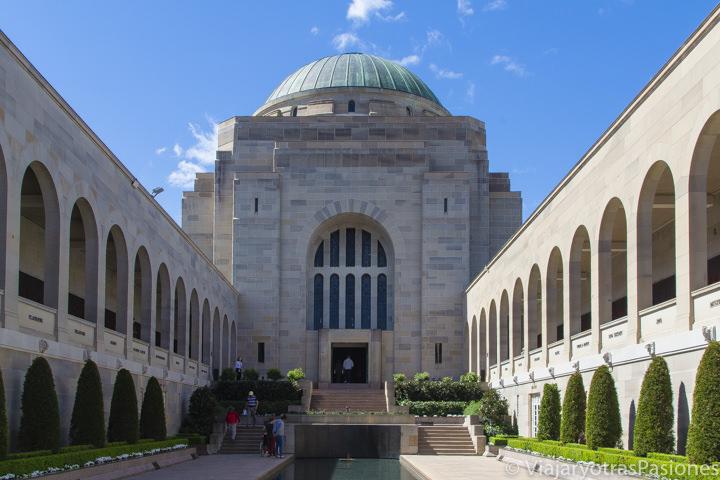 Impresionante memorial del Anzac en Canberra, la capital de Australia