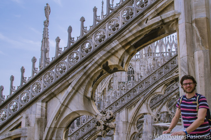Espectacular vista desde las terrazas del duomo de Milán, en Italia