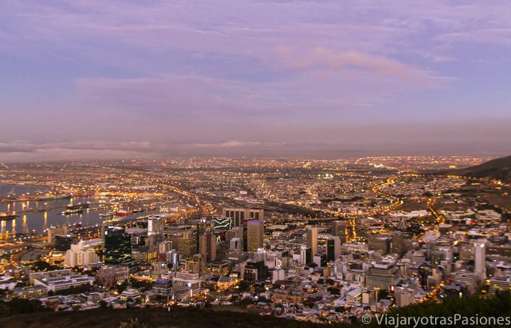 Atardecer panorámico en Ciudad del Cabo, Sudáfrica