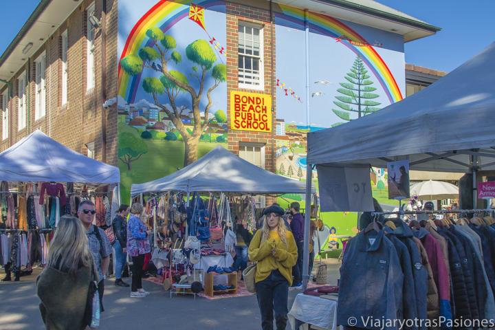 Vista del bonito Bondi Market en la célebre Bondi Beach en Sydney, Australia