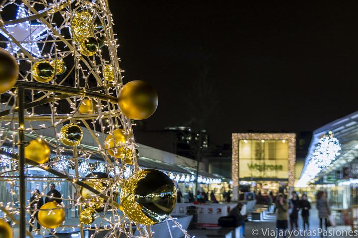 El Brunswick Centre con las luces de Navidad en Londres en Inglaterra