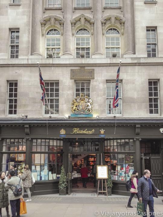 Fachada de Hatchards en las mejores librerías de Londres en Inglaterra