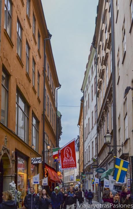 Imagen de la colorida zona de Gamla Stan, Estocolmo