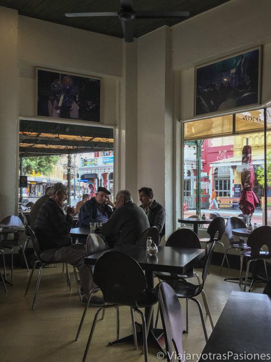 Italiano migrantes a tomar café en Ginos en qué ver en Fremantle en Western Australia