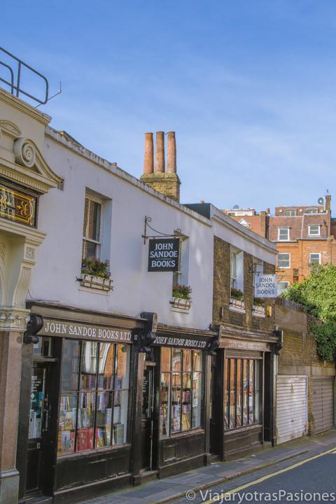 Fachada de la famosa John Sandoe en Chelsea en las mejores librerías de Londres en Inglaterra