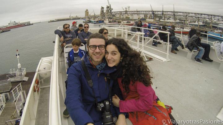 Barco para visitar Robben Island a Ciudad del Cabo en Sudáfrica