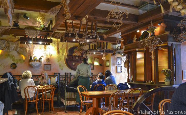Interior de restaurante Province en Riga en Letonia