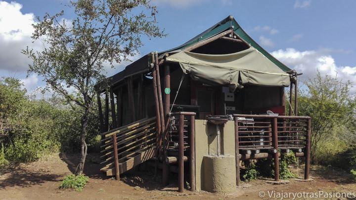 Tienda en el Rest Camp Lower Sabie en el parque Kruger en Sudáfrica
