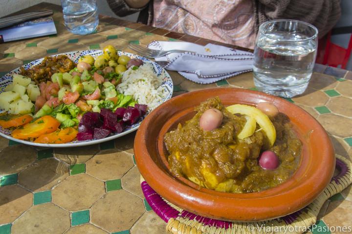 Sabrosa comida y gastronomia marroquí en Fez en Marruecos