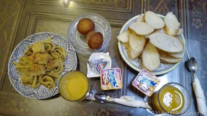 Desayuno completo en un Riad de Fez en Marruecos