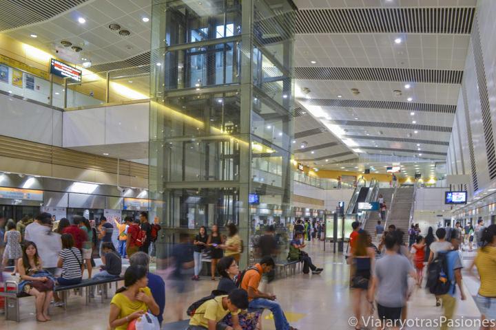 Estación del metro de Geylang para llegar al centro de Singapur desde el aeropuerto