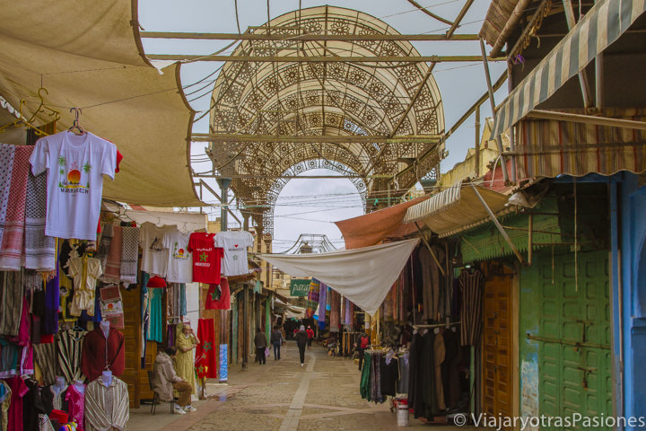 Callejuela de la medina de Rabat, Marruecos