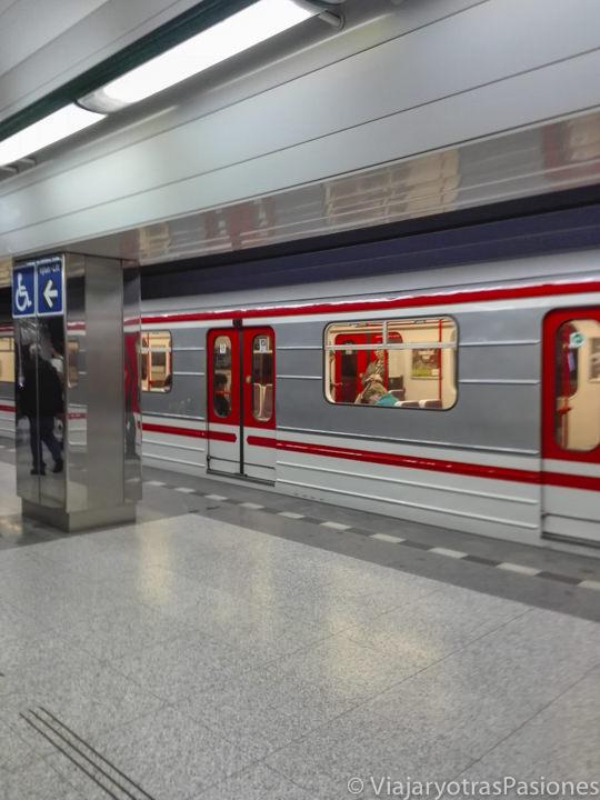 Estación del metro de Praga en República Checa