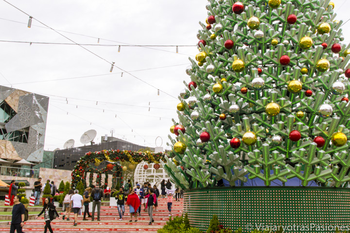 Decoraciones de Navidad en la famosa Federation Square de Melbourne, Australia
