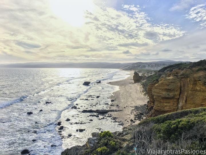 Espectacular atardecer en la Great Ocean Road en Australia