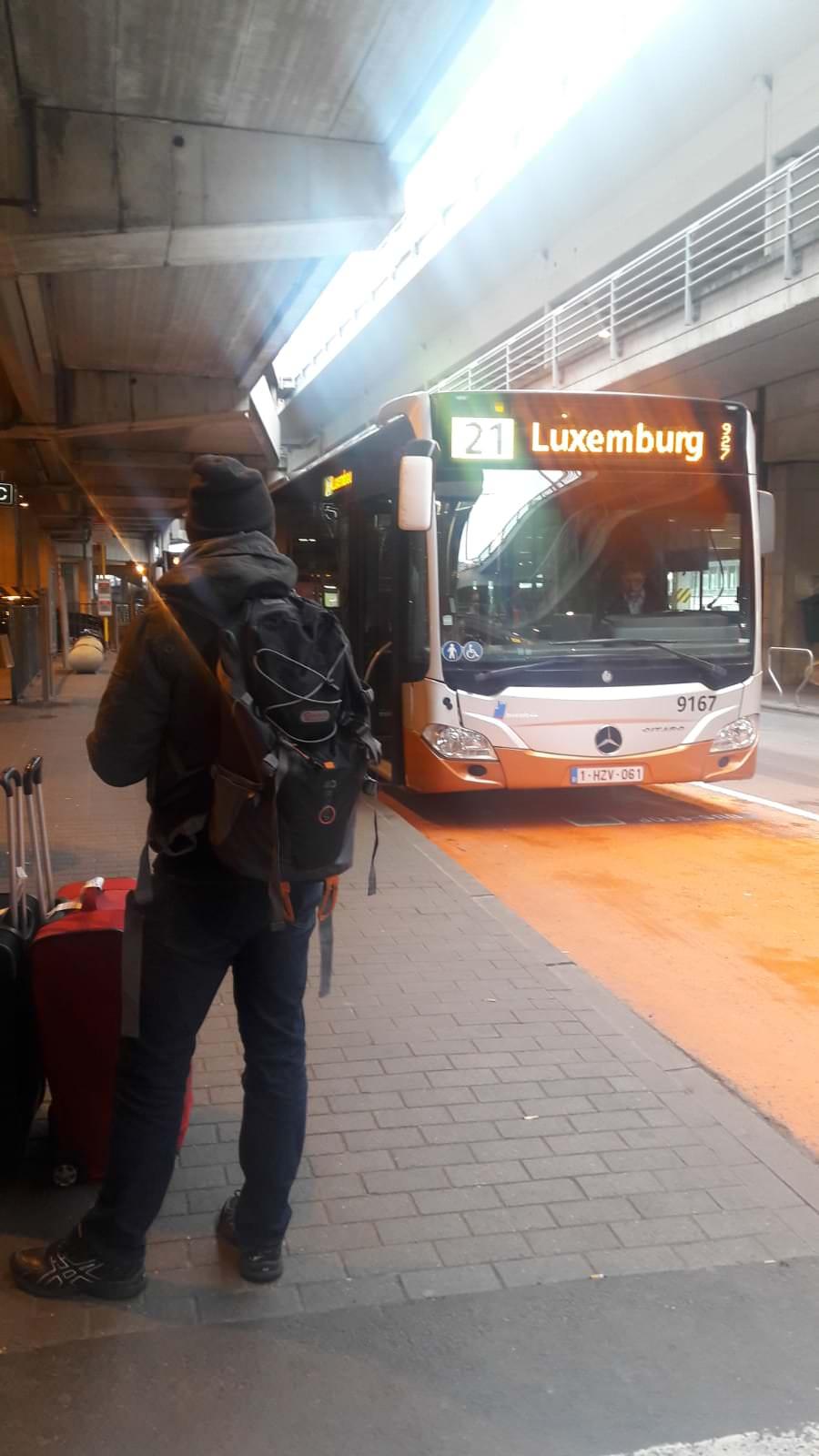 Bus para ir desde el aeropuerto de Bruselas al centro, Bélgica