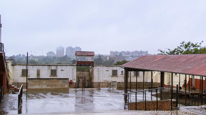 El patio de la prisión en Constitution Hill, en qué ver en Johannesburgo en Sudáfrica