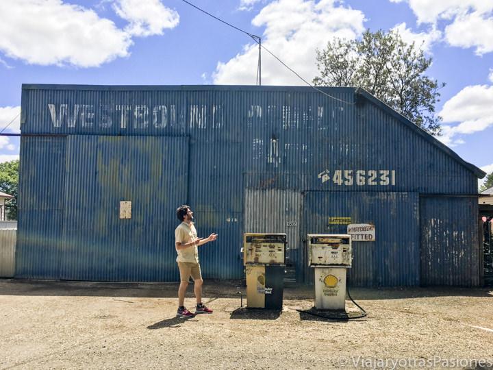 Espectacular gasolinera en el pueblo de Smeaton en los Goldfields en Australia