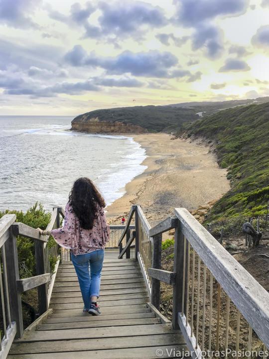 Increíble playa de Bells Beach que se puede ver en recorrer la Great Ocean Road en Australia
