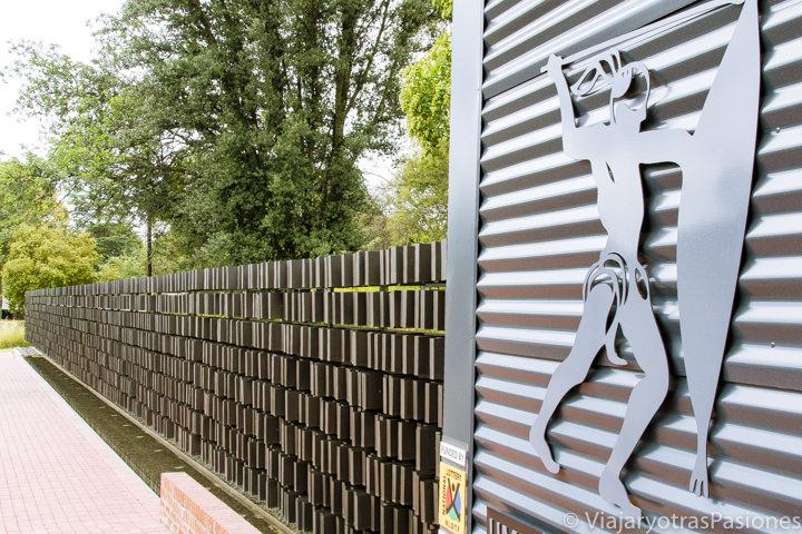 Memorial en el museo a Lilisleaf Farm en qué ver en Johannesburgo en Sudáfrica