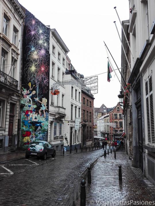 Calle muy chula en la ruta del cómic en Bruselas en Bélgica