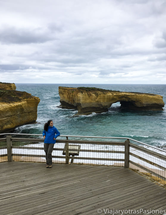 En recorrer la Great Ocean Road se puede ver el London Bridge, en Australia