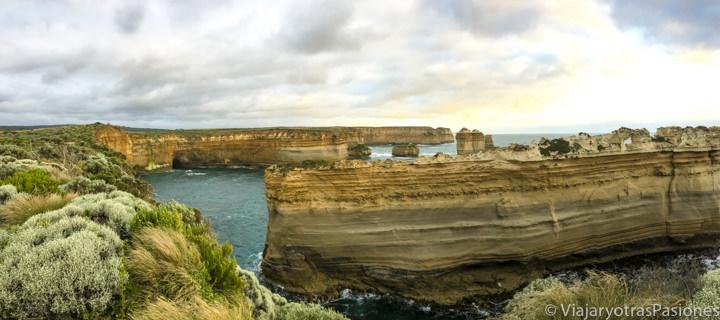 Vista del Razorback, cerca de los Doce Apóstoles, en la Great Ocean Road, en Australia