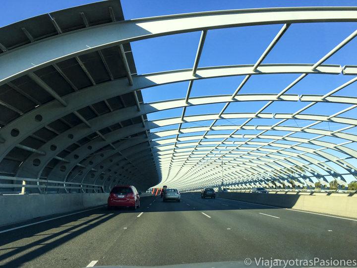 Túnel de la carretera cerca del aeropuerto de Melbourne, en Australia