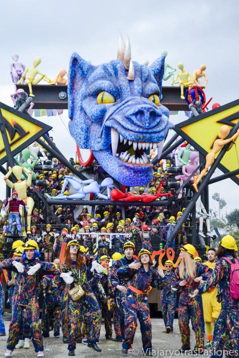 Espectacular fiesta en el Carnaval de Viareggio en Toscana