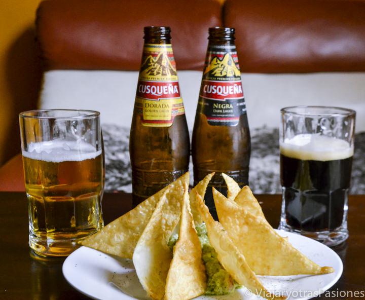 Tipica cerveza peruana con gastronomía de Peru en Cuzco