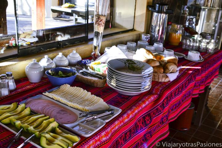 Rico desayuno en Cabanaconde en visitar el Cañón del Colca en Perú