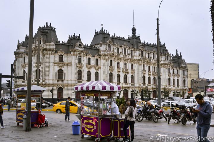 Histórico edificio Rimac en pleno centro de Lima en Perú