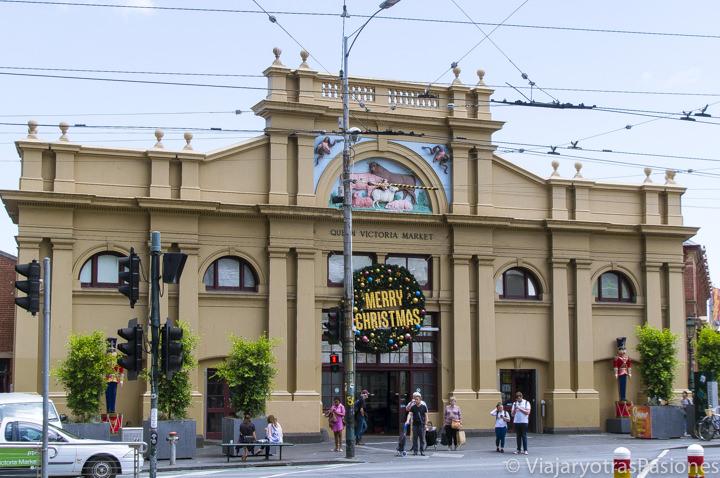 Fachada principal del Queen Victoria Market en la ciudad de Melbourne en Australia