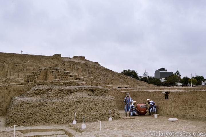 Impresionante sitio arqueológico de Huaca Pucllana en Lima, Perú