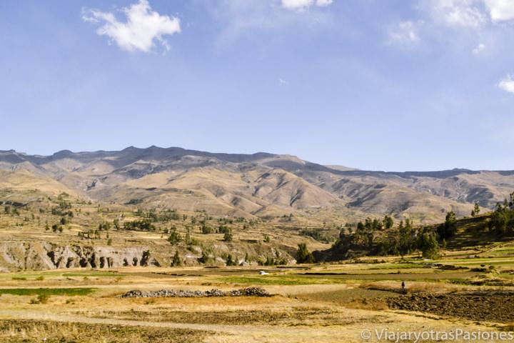 Increíble paisaje al atardecer en la Valle del Colca en Perú