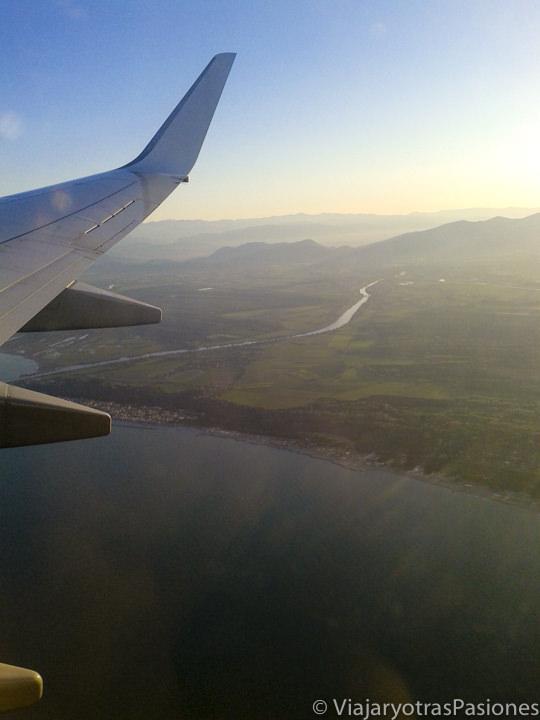 Vista del aterrizaje en Toscana para ir a Florencia desde el aeropuerto de Pisa