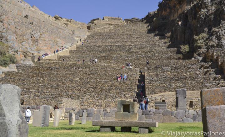 Preciosas ruinas Incas de Ollantaytambo en el valle sagrado cerca de Cuzco en Perú