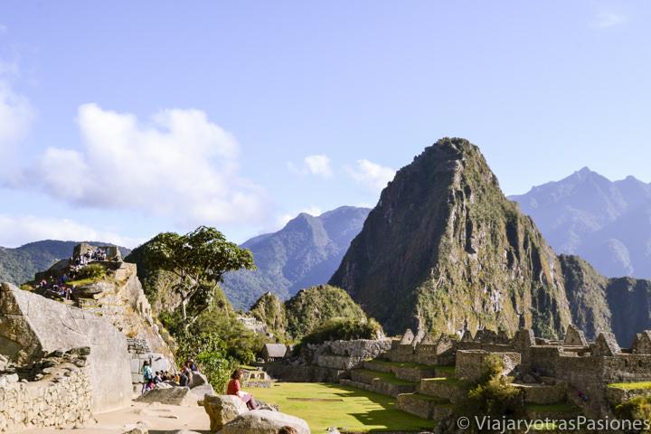 Hermoso paisaje en el increíble sitio arqueológico de Machu Picchu en Perú