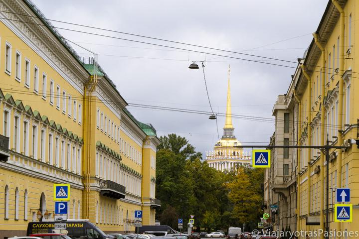 Paisaje urbano y vista del almirantazgo en qué ver en San Petersburgo en Rusia