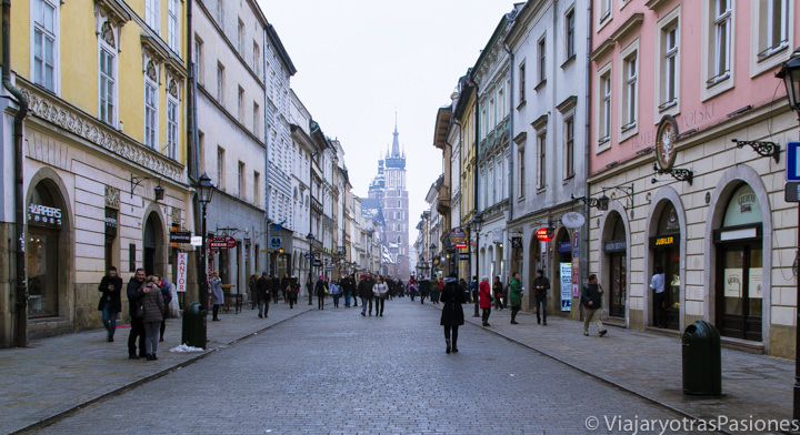 Panorama de la calle Florianska en el centro de Cracovia, Polonia
