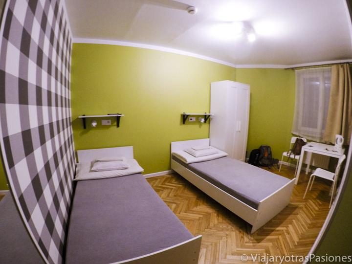 Habitación en el Dizzy Daisy Hostel, en la ciudad de Cracovia, en Polonia