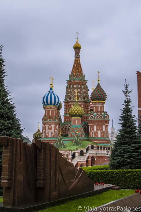 Hermosa catedral de San Basilio en la plaza Roja en Moscú en Rusia