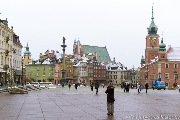 Panorama de la central Plaza del Castillo en Varsovia, Polonia