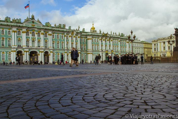 Imagen del exterior del palacio de invierno o museo del Hermitage