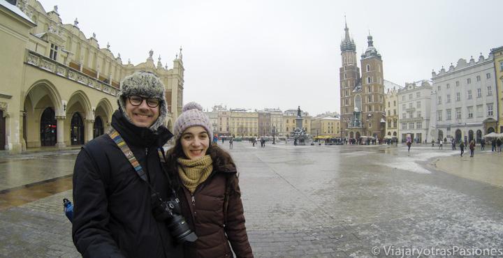 La famosa plaza de la Basílica de Santa María en qué ver en Cracovia, en Polonia
