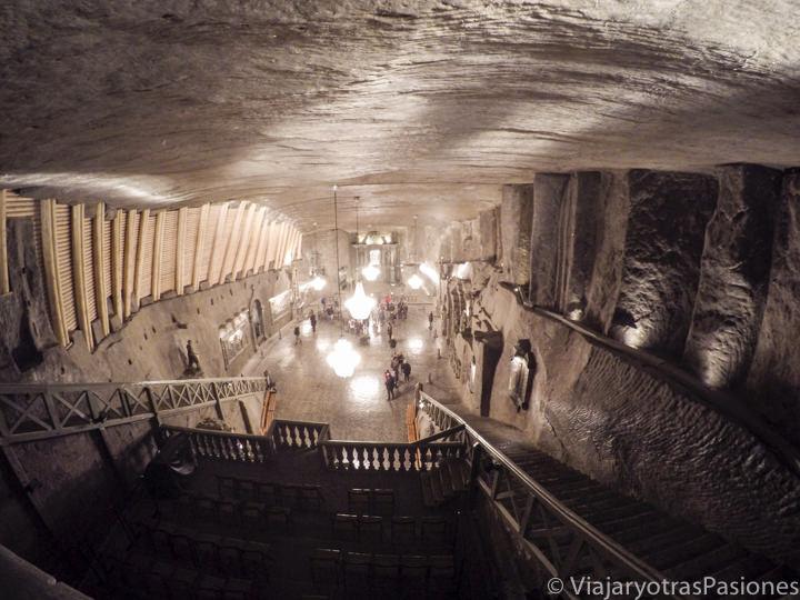 Enormes salinas Wieliczka en el viaje a Varsovia y Cracovia en Polonia