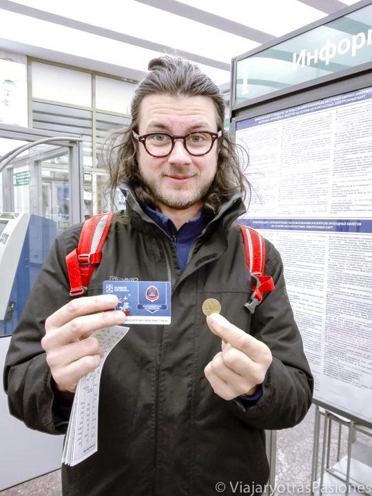 Tarjeta y token necesarios para moverse en San Petersburgo en Rusia