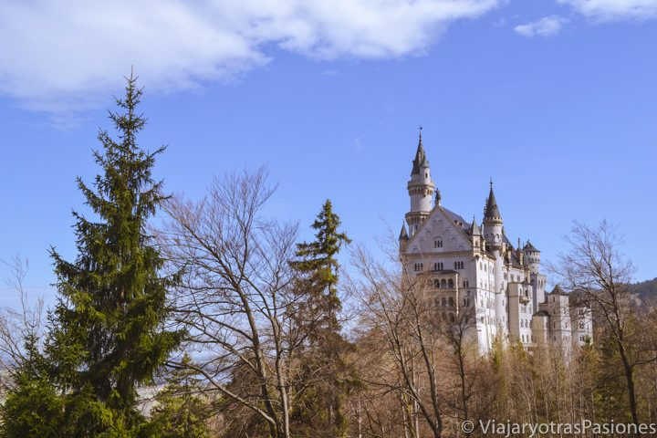 Hermoso panorama que e puede ver en visitar el castillo de Neuschwanstein en Alemania