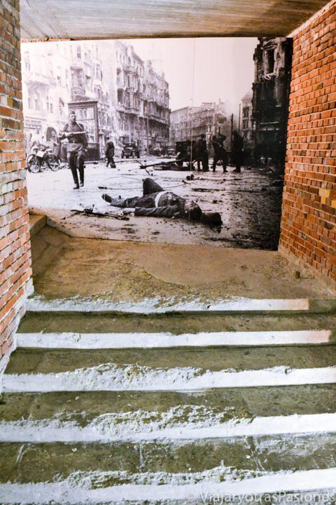 Foto antigua en la exposición del centro de Documentación en Nuremberg en Alemania